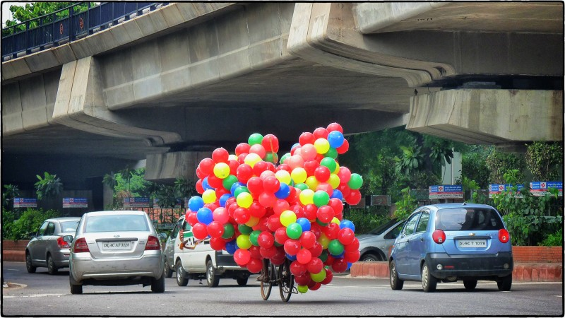 Balloons in Traffic
